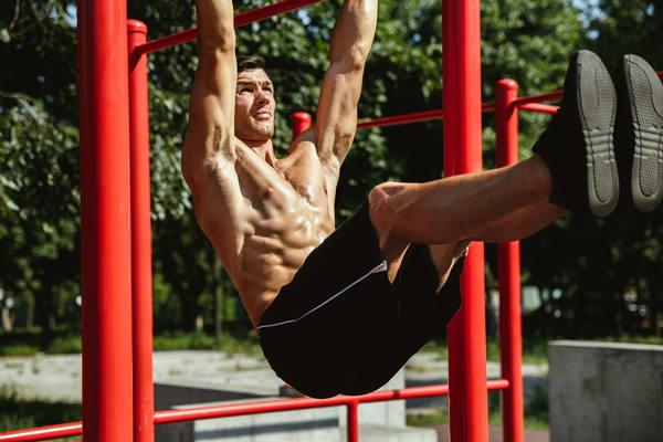 outdoor training lichaamsgewicht core